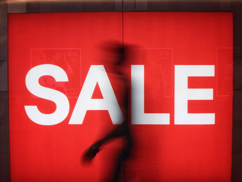 a red sale sign